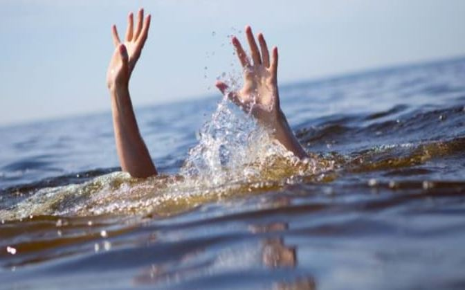 Kanpur 4 friends drown Ganga bath one dead