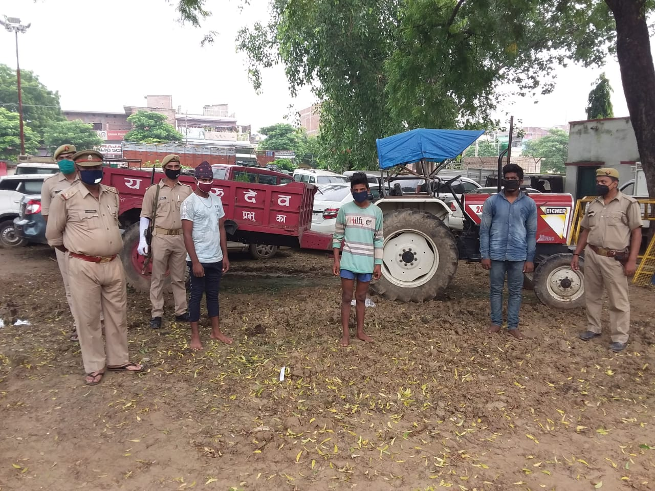 Interstate thief gang busted motorcycles tractor tally recovered Chandauli