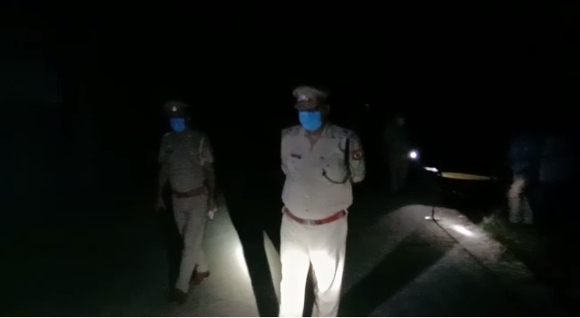 Encounter between police and miscreant policemen also injured