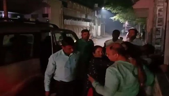 Policemen beat up the woman